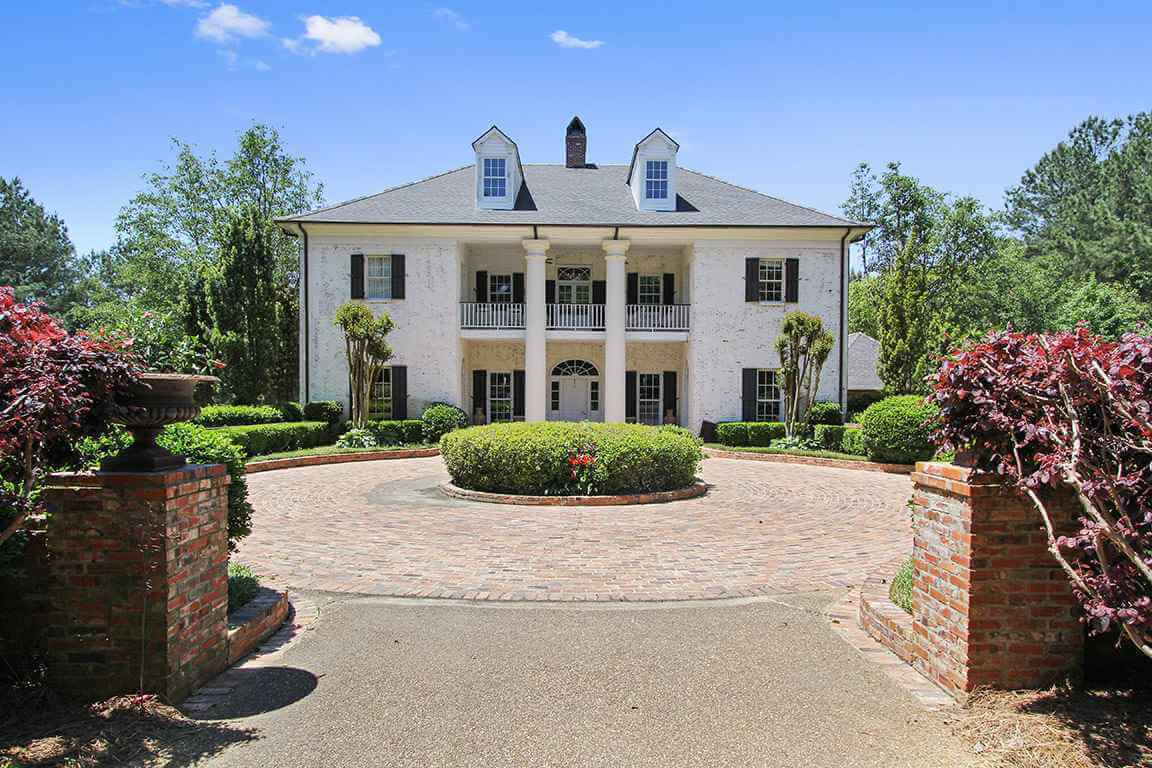 61. Mississippi Mansion